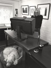 Photographer Tracy Ponich in studio.